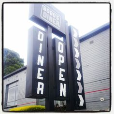 Bobo's Diner is now open on Upper Heidelberg Road #Ivanhoe- serving #burgers #ribs #sides #American #diner