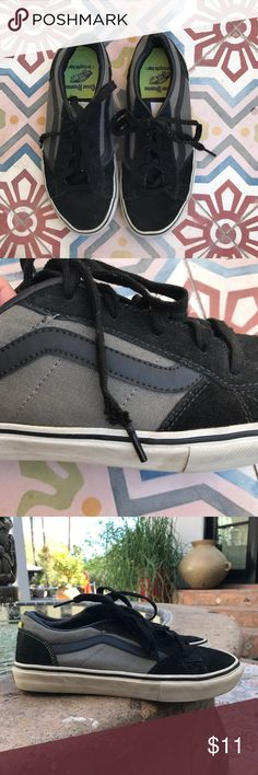 Youth VANS SIZE 6! Skateboard shoes.. There is a lot of life left in these vans.  You will need new shoes strings.  See photo.  Great skateboarding shoes!!  Thanks for looking. Vans Shoes Sneakers