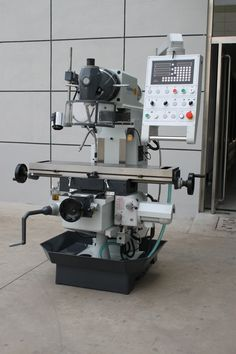 XL6232A/XL6228A Ram Milling Machine: Heavy machine frame with wide, adjustable dovetail guides in all axes Rigid universal cutter head, can be moved to virtually any spatial angle on two levels Automatic table feed on X and Y axes, including rapid feed Motorized height adjustment in Z direction. #milling#drilling@milling press#vertical milling#China milling#China machine#Taiwan milling#Knuth milling#Bernardo milling#Europe milling. Johnny Bravo, Metal Fab, Milling Machine, Table Sizes, 3d Printer, Engineering, Tools, Instruments, Technology