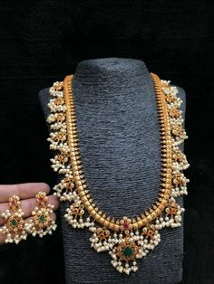 Jewelry Set Indian Guttapusalu Necklace Set W Earrings Haram Gold Bijoux Design, Gold Jewellery Design, Schmuck Design, Gold Jewelry, Handmade Jewellery, Jewelry Necklaces, Quartz Jewelry, Designer Jewellery, Diamond Necklaces