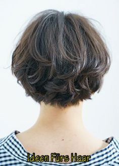 Short Haircut with Sass - 60 Short Shag Hairstyles That You Simply Can't Miss - The Trending Hairstyle Haircuts For Wavy Hair, Short Hairstyles For Thick Hair, Short Layered Haircuts, Short Hair With Layers, Short Hair Cuts For Women, Short Haircut, Cool Hairstyles, Messy Short Hair, Medium Hair Styles