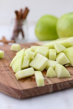 Homemade Stovetop Apple Pie Filling is quick and easy. You can add your favorite seasons like cinnamon, nutmeg, maple syrup and more. Making Apple Pie, Homemade Apple Pie Filling, Best Apple Pie, Apple Filling, Apple Kuchen Recipe, Apple Pie Recipes, Cake Recipes, Apple Hand Pies, Caramel Apple Cookies