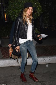 Angels night out: Alessandra joined by fellow Victoria's Secret model Behati Prinsloo Dr Martens Style, Dr Martens Outfit, Doc Martens, Winter Outfits, Cool Outfits, Fashion Outfits, Womens Fashion, Celebrity Dresses, Celebrity Style