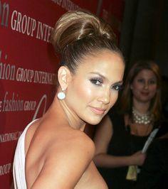 Jennifer Lopez,I loooove this look! N looove her makeup!