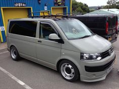 All courtesy of Chris at Swiss vans, once again a pleasure to deal with. Transporteur Volkswagen, Volkswagen Auto Group, Vw Transporter Van, T5 Camper, Vanz, Day Van, Cool Vans, Busse, Vw Cars