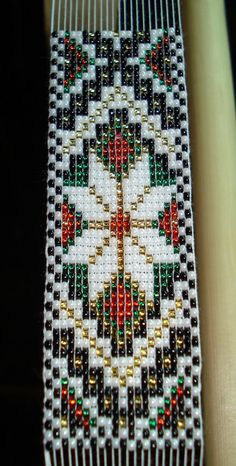 off loom beading Bead Loom Designs, Bead Loom Patterns, Peyote Patterns, Beading Patterns, Beading Ideas, Loom Weaving, Tapestry Weaving, Bargello Quilts, Beaded Banners