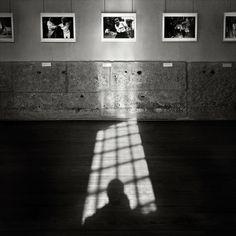 Centro Português de Fotografia - CPF, no edifício da antiga Cadeia da Relação. Promove exposições de fotografia regularmente