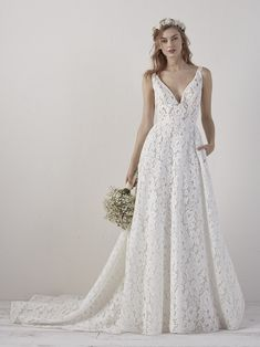 wedding-dress-lace-organza-evasé-EINAT