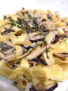 Scrumpdillyicious: Wild Mushroom Tagliatelle with Marsala Cream Sauce (mushroom parmesan pasta) Wild Mushrooms, Stuffed Mushrooms, Stuffed Peppers, Mushroom Cream Sauces, Mushroom Recipes, Mushroom Pasta, Mushroom Sauce, Pasta Recipes, Gastronomia