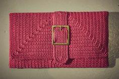 Cute Crochet Clutch Bag: free #crochet diagrams