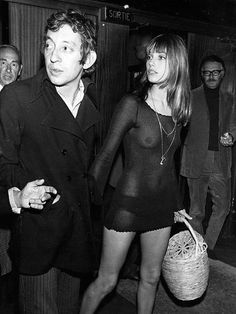 1910 01 01 eternally stylish moments from jane birkin getty 03 Style Jane Birkin, Jane Birken, 70s Fashion, Vintage Fashion, Fetish Fashion, Style Icons Inspiration, Princesa Carolina, Serge Gainsbourg, Black White Photos