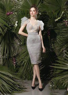 Women's Fashion Designer Belt once Dress Fashion In 2018 into Dress Fashion Dress this Dress Fashion Lady; Stylish Dresses, Simple Dresses, Short Dresses, Gala Dresses, Dress Outfits, Fashion Dresses, Poses References, Luxury Dress, Couture Fashion