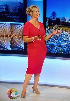 Carol Kirkwood | by RayMach Images Susannah Reid, Carol Kirkwood, Female News Anchors, Tv Presenters, Beauty Women, Curvy, Breast, Bodycon Dress, Actresses