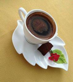 Coffee Latte Art, Coffee Cafe, Coffee Drinks, Coffee Shop, Good Morning Coffee, Coffee Break, Coffee Cantata, Crisco Recipes, Coffee Around The World