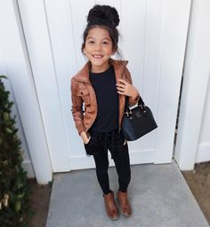 You are in the right place about boho toddler girl outfits Here we offer you the most beautiful pict Lila Outfits, Little Girl Outfits, Cute Outfits For Kids, Little Girl Fashion, Kids Fashion, Fall Fashion, Toddler Girl Style, Toddler Girl Outfits, Toddler Girls Fashion