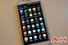 Getting a Near Stock Android Feel on your Galaxy S4, HTC One or Any Other Non-Nexus Phone