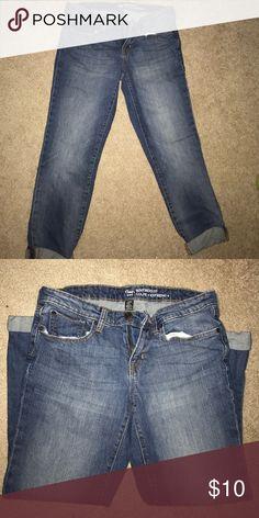 Gap Boyfriend Fit Jeans Darling boyfriend cropped jeans!  Adorable wash! GAP Jeans Boyfriend