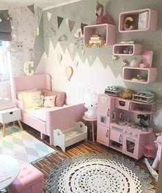 Another happy girl lives here  @sukkerdrom #kidsinspo#barnerom#barnrum#barnruminspo#kidsdecor#kidsroom#kidsinterior#kinderzimmer#girlsroom#jenterom#kidsroomdecor#kidsinteriors#crochet#crochetlife#barnrumsinredning#mammalivet#momlife#miffy#interiorlove#childrensroom#kidsofinstagram#kids#nursery#babyroom