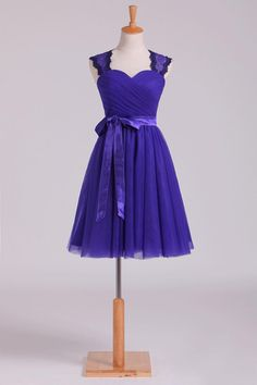 Prom Dress Beautiful, 2019 Homecoming Dresses Off The Shoulder Dark Royal Blue Tulle & Lace A Line, Discover your dream prom dress. Our collection features affordable prom dresses, chiffon prom gowns, sexy formal gowns and more. Find your 2020 prom dress Fitted Prom Dresses, Princess Prom Dresses, Plus Size Formal Dresses, High Low Prom Dresses, Prom Dresses For Teens, Prom Dresses Blue, Homecoming Dresses, Bridesmaid Dresses, Formal Gowns