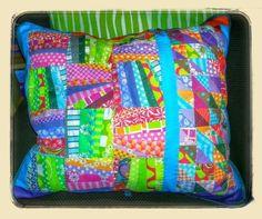 makerist - Patchwork Polster - Nähprojekte - 1 Crochet Cushions, Sewing Pillows, Knit Crochet, Patchwork Pillow, Quilted Pillow, Anna Williams, Pillow Talk, Diaper Bag, Pillow Covers