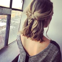 18 Easy Braids for short hair - Madame Frisuren - cheveux Easy Hairstyles For School, Long Bob Hairstyles, Braided Hairstyles, Trendy Hairstyles, Hairstyle Short, Summer Hairstyles, Woman Hairstyles, Fashion Hairstyles, Hairstyles 2018