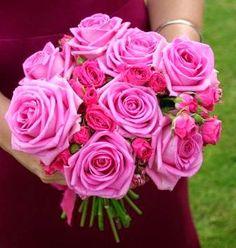 Pink roses wedding flowers http://weddingflowersideas.blogspot.com/2014/05/pink-roses-wedding-flowers.html