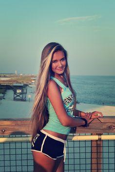 Love her hair!!!!!