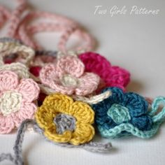 Free Baby Barefoot Sandal Crochet Pattern! This is the link to an actual FREE pattern... I've been looking forever! AND....box pattern for baby shoes