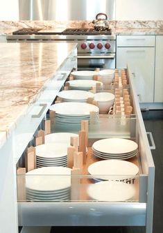 6 Nice ideas: Colonial Kitchen Remodel White Granite old small kitchen remodel.Ikea Kitchen Remodel Galley old kitchen remodel ceilings.Old Small Kitchen Remodel. Small Kitchen Organization, Diy Kitchen Storage, Smart Kitchen, Functional Kitchen, New Kitchen, Awesome Kitchen, Kitchen Ideas, Kitchen Decor, Dish Storage