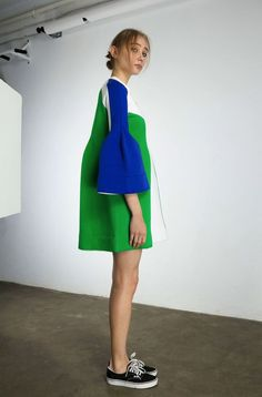Color Blocked, flaired sleeve perfection.