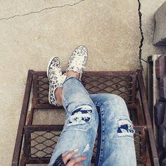 Jeans and kicks via @mommabfit.