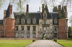 Chateau de Maintenon, Eure-et-Loir region, France Beautiful Castles, Beautiful Buildings, Palaces, Chateau De Maintenon, Loire Valley, French Castles, Fontainebleau, Castle House, French Chateau