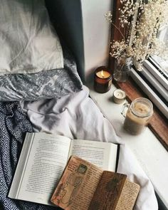 Hygge is the ultimate form of cozy. Here are 5 ways to understanding and embracing hygge in your everyday life right now, so you can get all hyggly! My New Room, My Room, Autumn Aesthetic, Book Aesthetic, Aesthetic Coffee, Aesthetic Clothes, Book Worms, Sweet Home, Relax