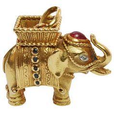 Van Cleef and Arpels Gem Set Gold Elephant Pendant Elephant Jewelry, Animal Jewelry, Animal Magnetism, Van Cleef Arpels, Carat Gold, Jewelry Necklaces, Jewellery, Luxury Watches, Vintage Jewelry