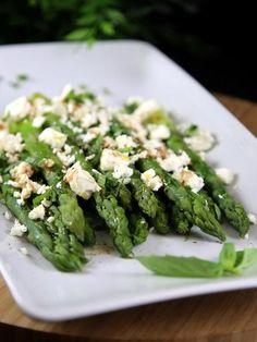 Méli mélo d'asperges à la feta et au basilic - Recette de cuisine Marmiton : une recette