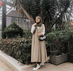 How to dress modestly clothing 66 Ideas for 2019 - hijab style Modern Hijab Fashion, Street Hijab Fashion, Hijab Fashion Inspiration, Muslim Fashion, Modest Fashion, Fashion Outfits, Dress Fashion, Fashion Trends, Casual Hijab Outfit