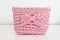 Prinsessajuttu: Lomalla virkattua Tapestry Crochet Patterns, Crochet Motif, Knit Crochet, Crochet Pouch, Crochet Purses, Small Crochet Gifts, Crochet Fashion, Purses And Bags, Free Pattern