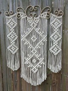 How to Make Macrame Wall Hanging - Diy Decoration Macrame Wall Hanging Patterns, Macrame Plant Hangers, Macrame Patterns, Macrame Wall Hangings, Quilt Patterns, Wall Patterns, Canvas Patterns, Macrame Owl, Macrame Knots