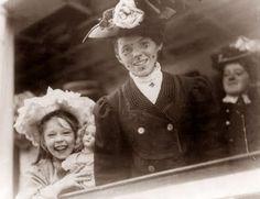 Immigrants, Ellis Island, 1907  How happy they look!