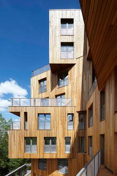 This 10-storey building was constructed using primarily cross-laminated timber (CLT), but also integrates steel elements and a reinforced-concrete core.