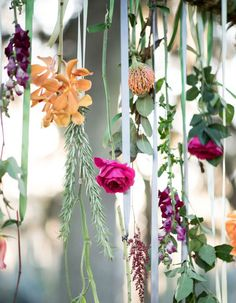One piece of décor that no bride should go without is the hanging floral arrangement. Here are a few clever, creative ways to use this trend all year long!
