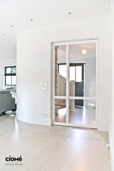 Custom Steeldoor Bright and clean Interiordesign Complete renovation of a luxurious residence, located near the Dutch dunes. Design and realisation by CioMé Interiordesign