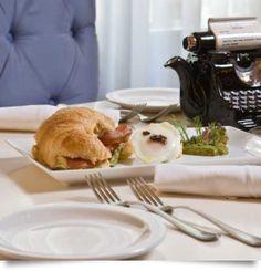 Κρουασάν με προσούτο Pancakes, Breakfast, Food, Gourmet, Morning Coffee, Essen, Pancake, Meals, Yemek