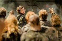 'Resident Evil: El capítulo final': Milla Jovovich se enfrenta a una horda de zombis en una nueva imagen - Noticias de cine - SensaCine.com