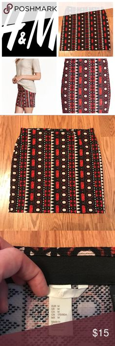 H&M Geometric Patterned Jersey Skirt H&M Geometric Patterned Jersey Skirt Elastic Waist Size M  In excellent, like new condition. Polyester 95%; Elastane 5%  Smoke-free, pet-free home. Offers are always welcome. H&M Skirts Mini