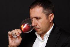 Hai unha década creouse o Instituto Galego do Viño para estender a formación vitivinícola e achegar á sociedade o coñecemento do viño. Hoxe en día sumilleres, viticultores, enólogos e bodegueiros comparten os seus coñecementos e a súa paixón polo viño. Quixemos