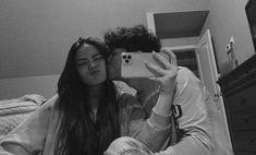 Teen Couples, Cute Couples Photos, Cute Couple Pictures, Cute Couples Goals, Friend Pictures, Cute Photos, Couple Pics, Couple Goals Relationships, Relationship Goals Pictures
