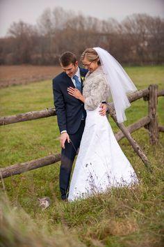 Wedding outdoor photo shooting. A little something that made our photo shooting even better. Kitty. Surprise. #wedding #weddingphotoshooting #unexpectedweddingguest #laceweddingdress #snowwhite photo by www.filipfoto.eu
