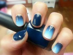 Light blue to dark blue gradient nail art. #nails #nailart