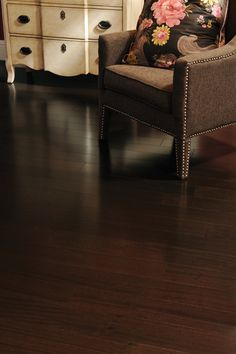 Mirage Floors, The Worldu0027s Finest And Best Hardwood Floors.  Www.miragefloors.com #Mirage #Hardwood #Old #Red #Oak #Tree #Bark #Cozy  #Living #Room ...